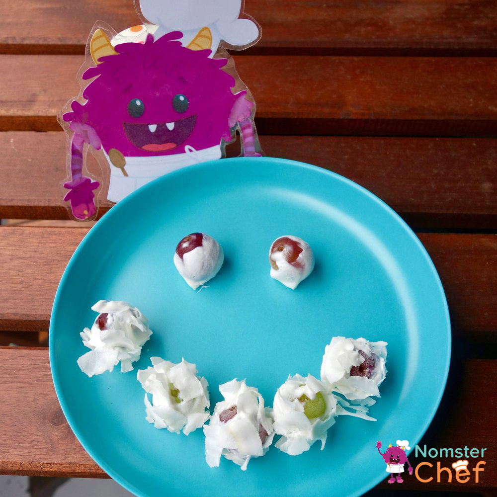 healthy summer snack for kids fro yo grapes-smiley face-Nomster Chef