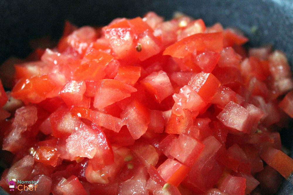 kitchen-vocabulary-tomato-cut-close-up-watermark.jpg