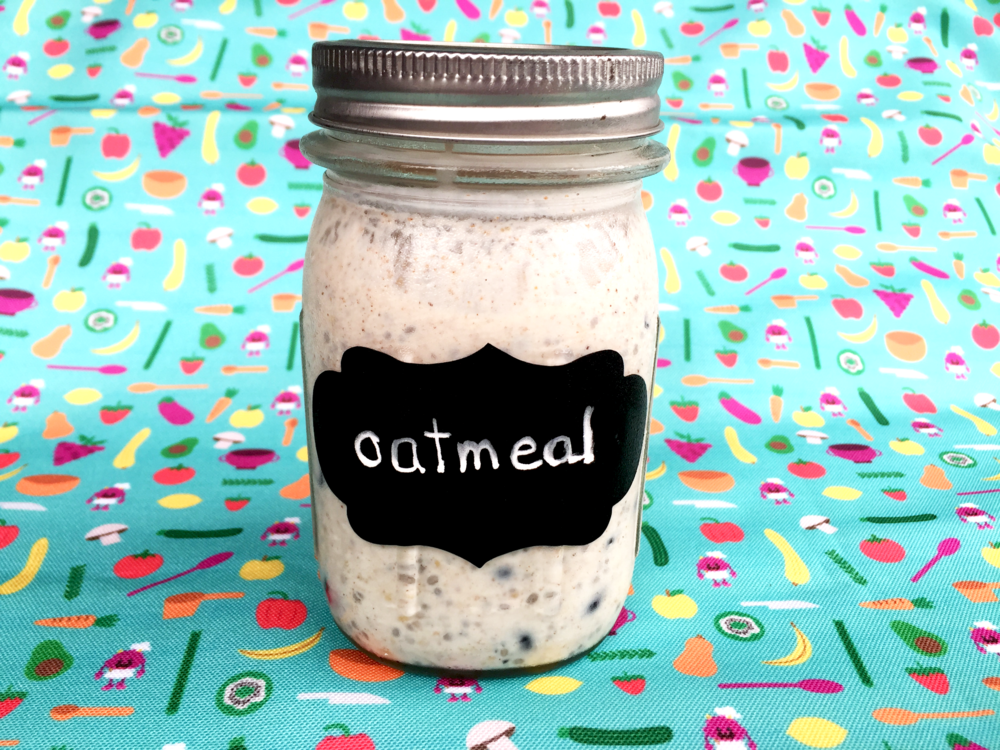 Blueberry Cinnamon Overnight Oats hero shot.png
