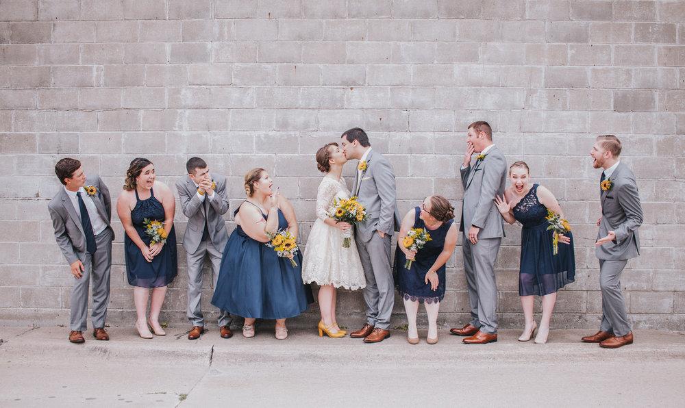 iowa wedding photography-des moines iowa wedding party
