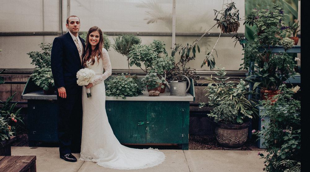 botanical garden des moines iowa wedding photographer