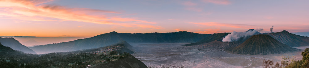 Sunrise panorama from Mt. Penanjakan around 6:30 am.