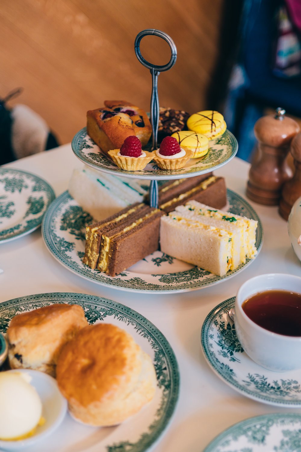 Things to do in London on a Budget - Afternoon tea-1.jpg