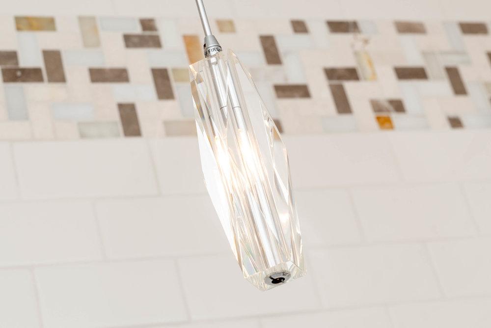103a lighting over tub.jpg