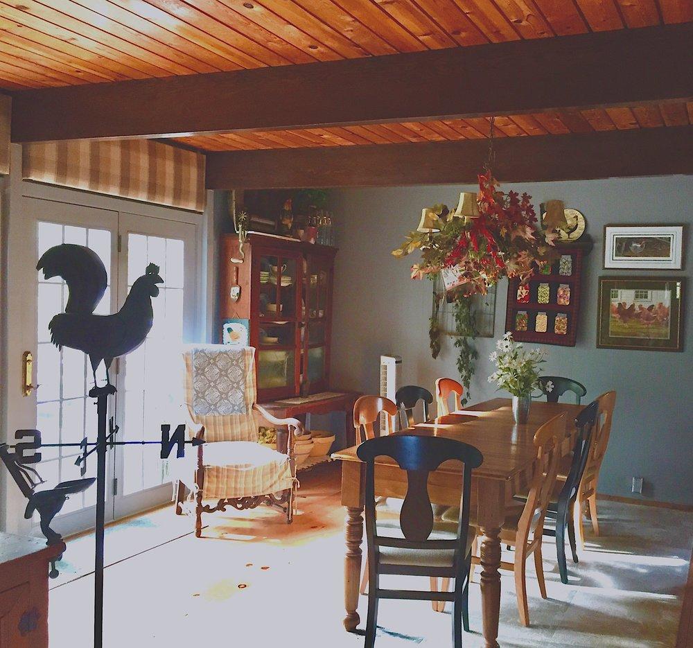 lake house dining room.jpg
