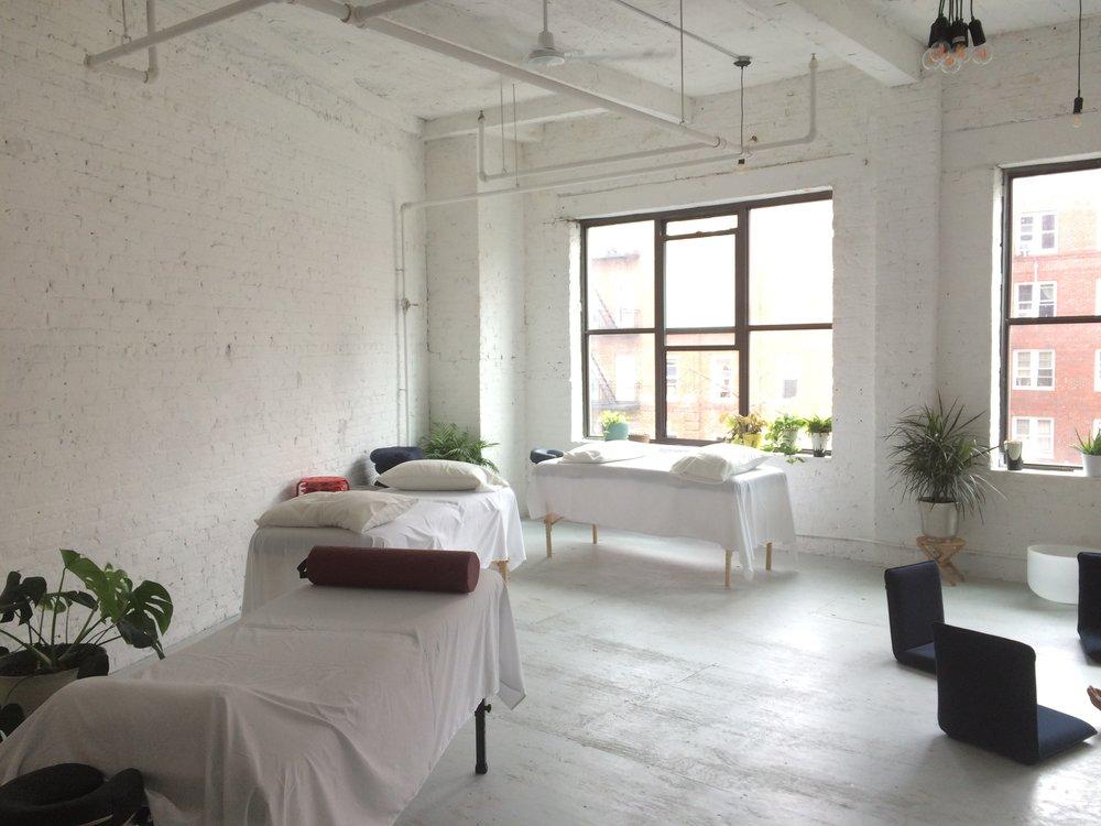 4pm 7:30pm: Leo Bierman (3rd Floor U2013 MINKA Center For Healing) Tuesdays  2pmu20136pm: Mia Herndon (2nd Floor U2013 Yoga Tribe Brooklyn) Wednesdays
