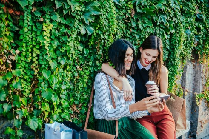 Sober coffee + shopping = friend win!