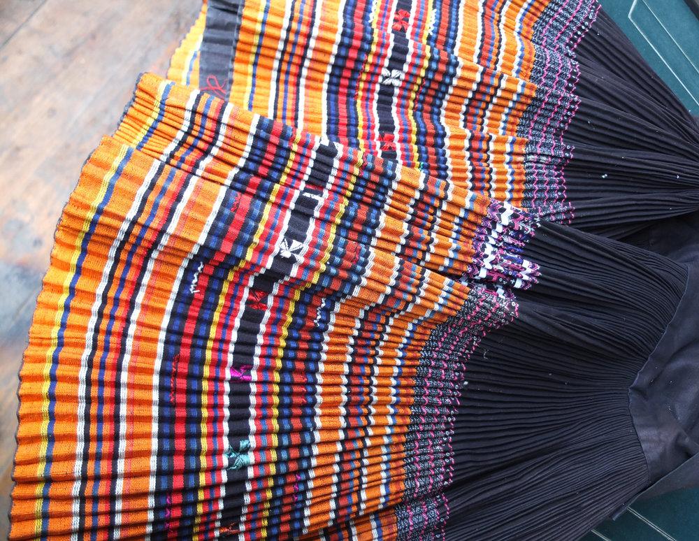 Miao_pleated_skirt