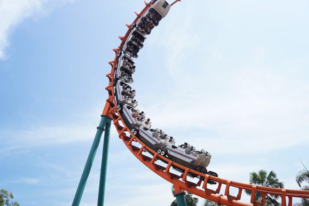 roller-coaster-2793397_1920.jpg
