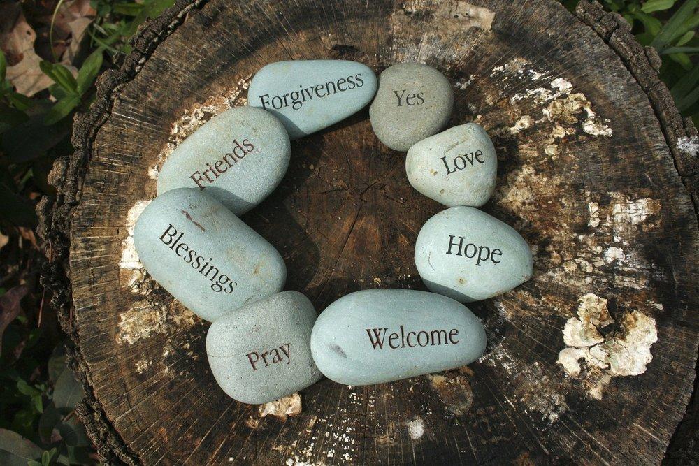 daily-prayers-1461030_1920.jpg