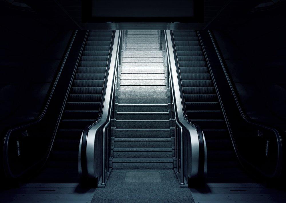 escalator-769790_1920.jpg