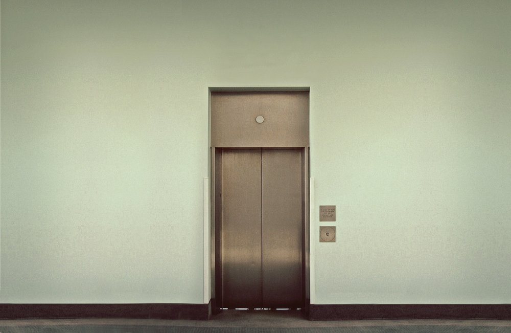 elevator-495231_1920.jpg