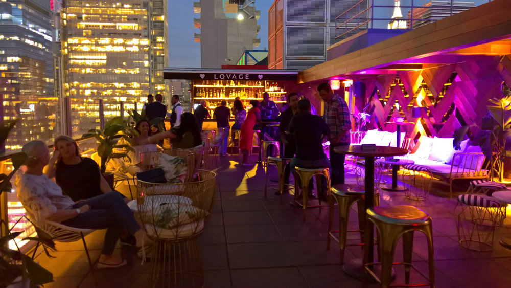 DoubleTree Hilton by New York Times Square West Rooftop Lounge | OMventure.com