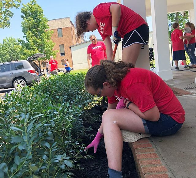 SERVE day yesterday was amazing! We are so proud of all our youth students who joined in to help! #serveday18 #find_hope