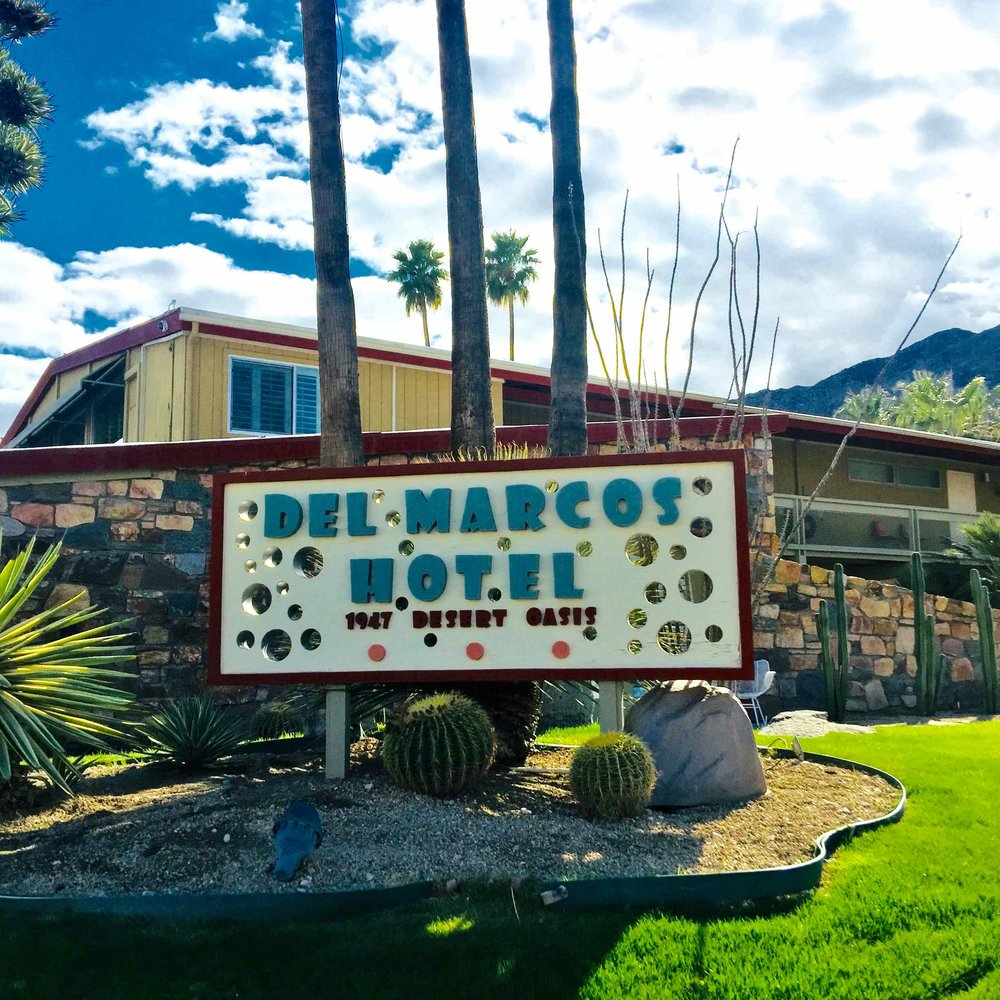 Del Marcos Hotel - Atomic age sign
