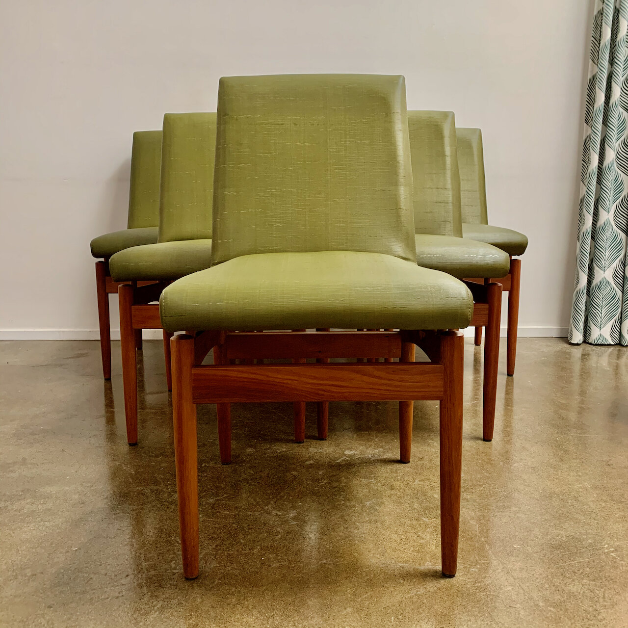 Image of: Mid Century Dining Chairs Th Brown And Sons Retro Rehab