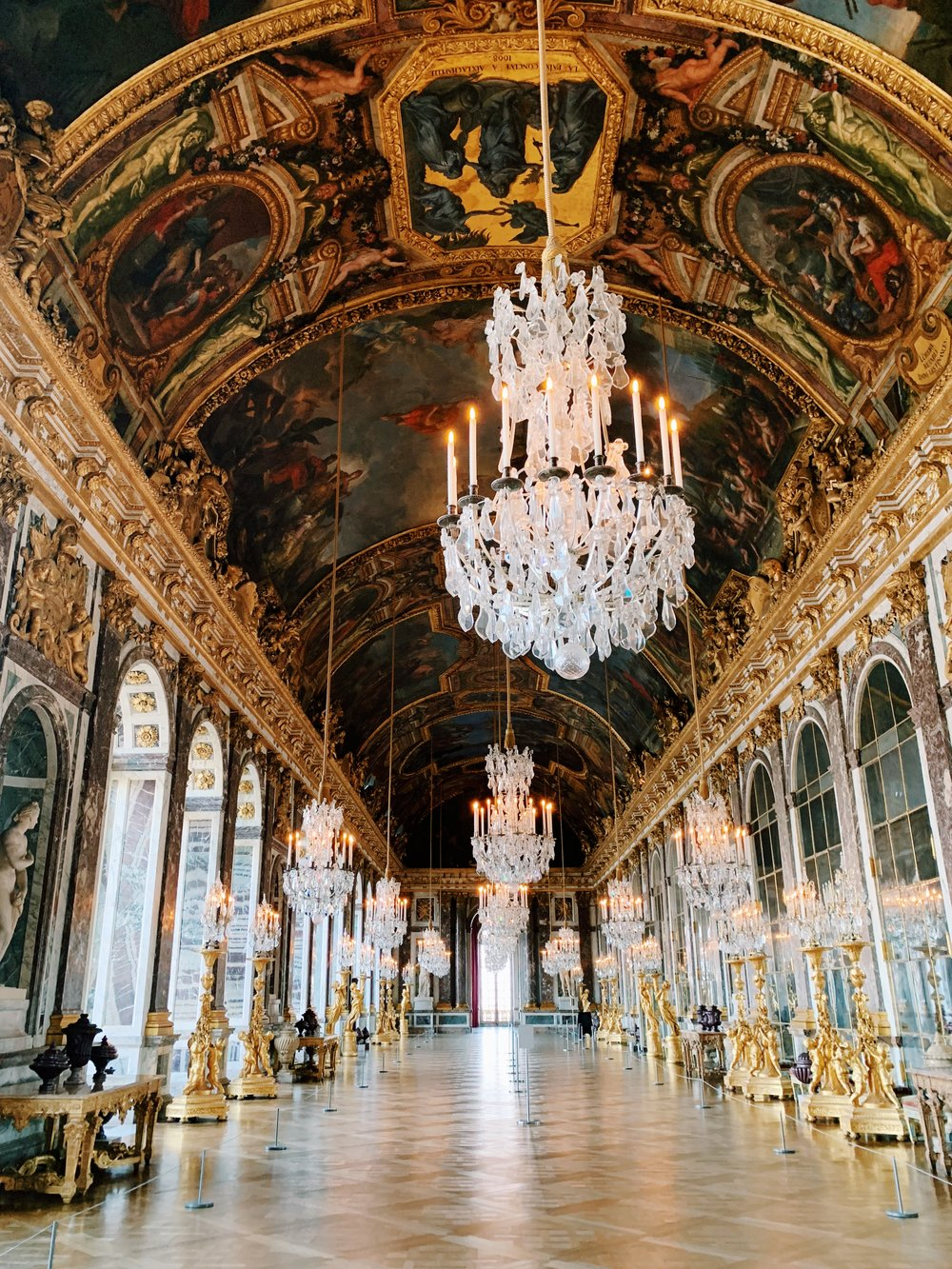 The Hall of Mirrors, completely empty!