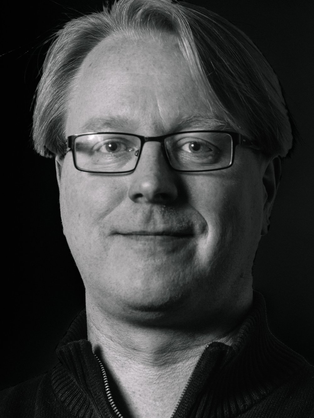 Mikko Ollila Camera lead. Pioneer in mobile imaging and camera development lead. Previously Camera Project Lead at Intel, Senior Specialist at Nokia. Inventor in 40+ patents. M.Sc in Microelectronics.