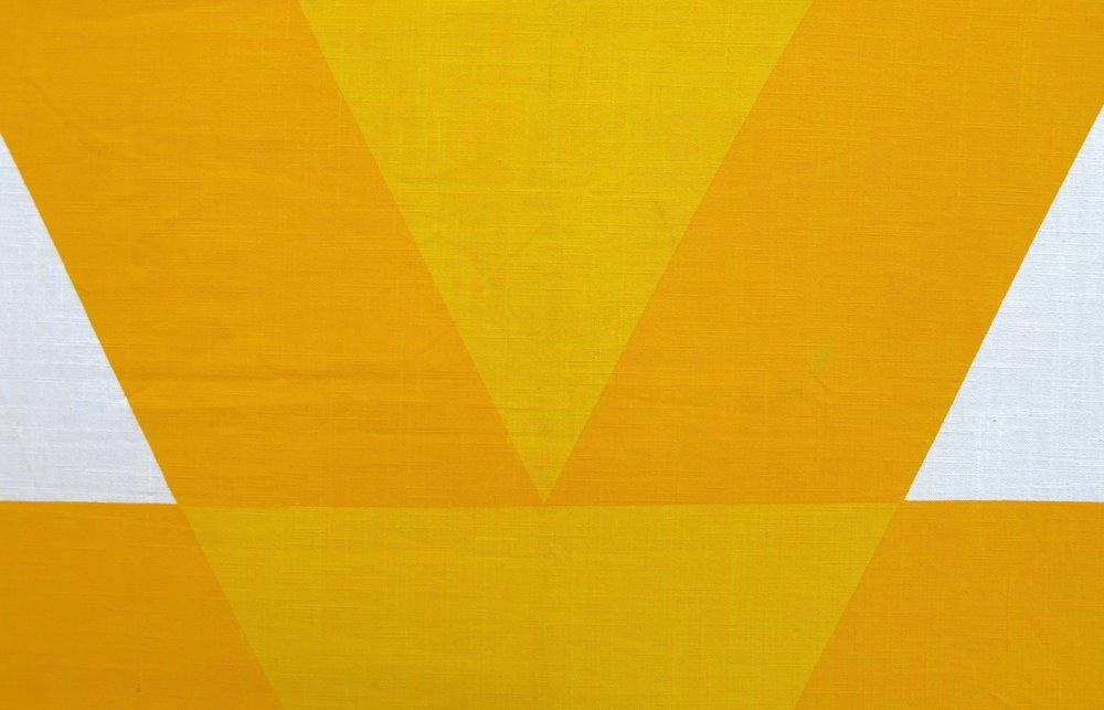 Arrow yellow