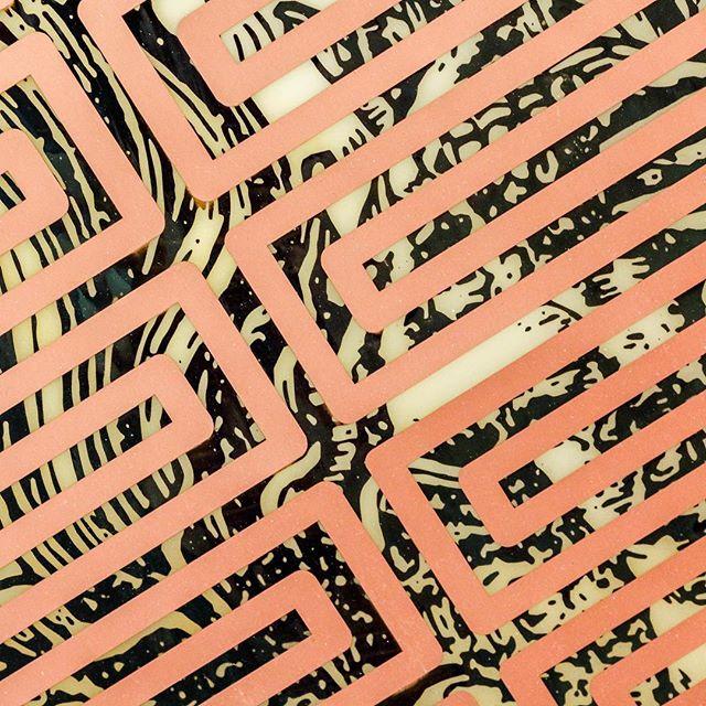 Sam Lewitt⠀ .⠀ .⠀ .⠀ #thecrossinglondon #crossinglondon #freshpicks #design #culturegram #frieze #friezelondon #patterns #art #bronze #lines