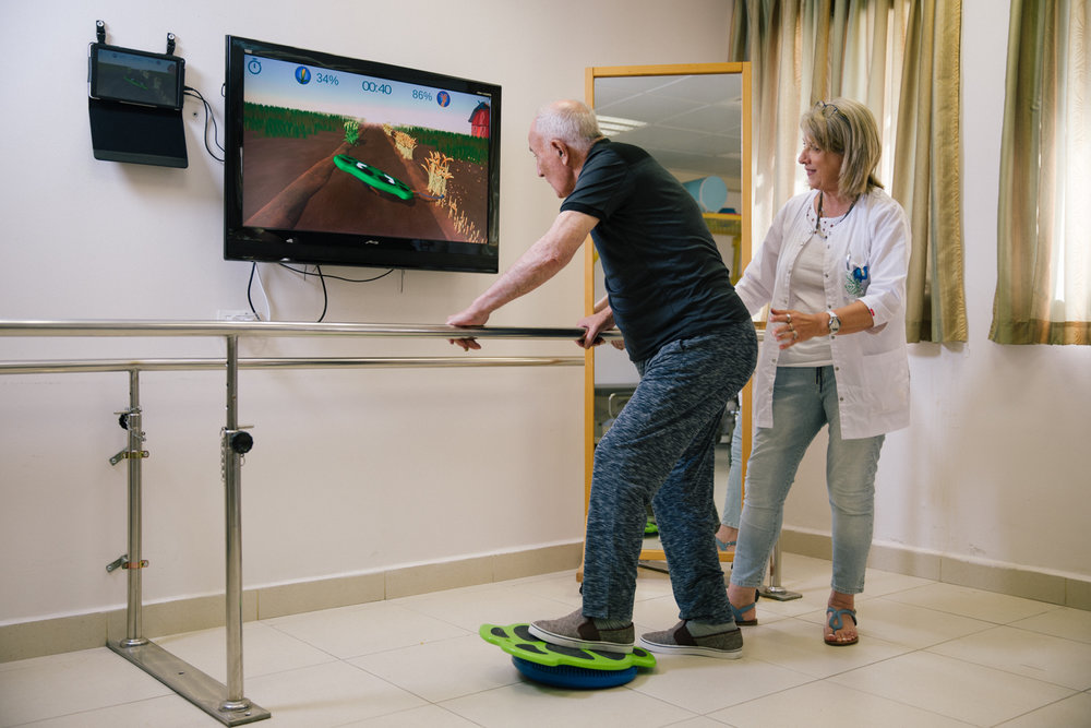 Monitor your patient's progress and achieve your therapeutic goals quicker. Get Real-time feedback and performance measurements -