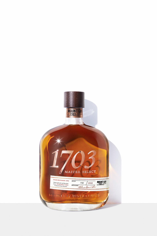 MU23920_MGR1-17-04802_Bottles_1703MasterSelect_Standing.jpg
