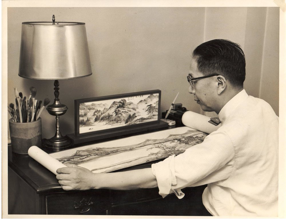 Zen Zuh Li, painting at home, 1960s. Courtesy Lillian Li.