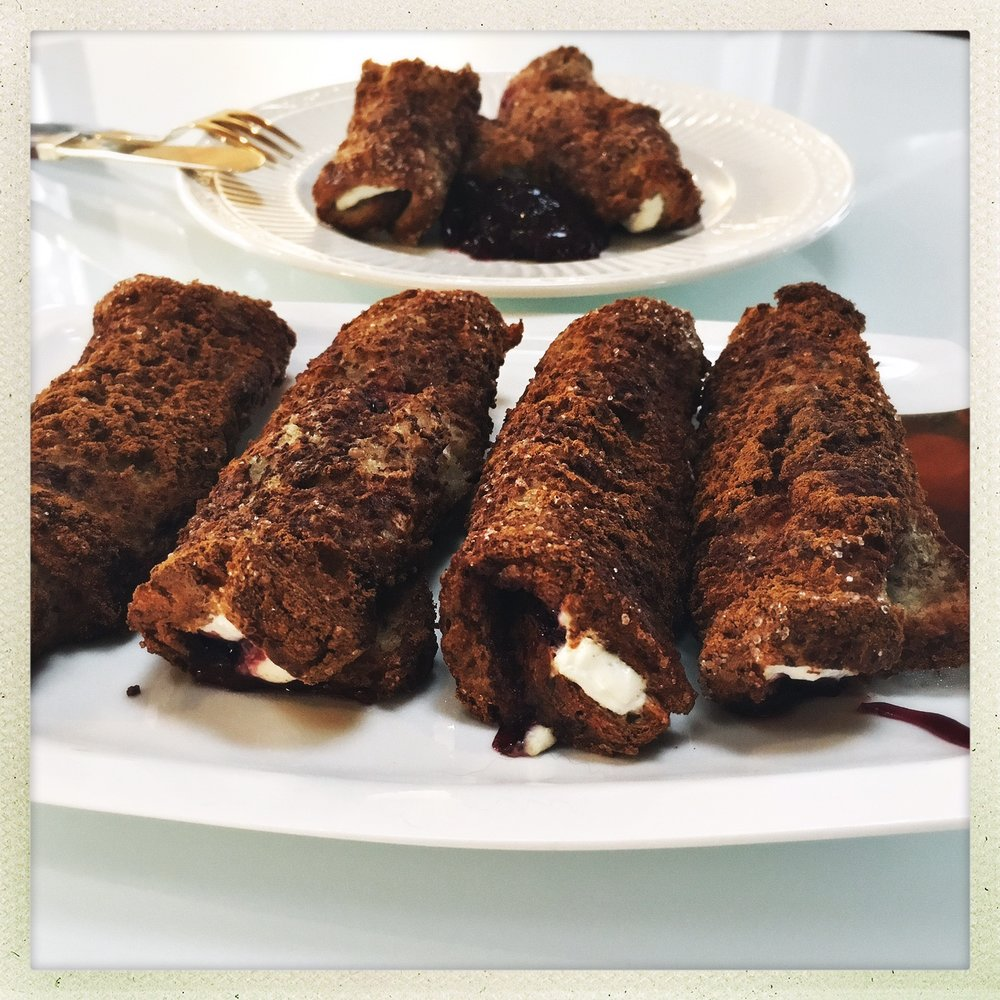 stuffed french toast rolls 5.jpg