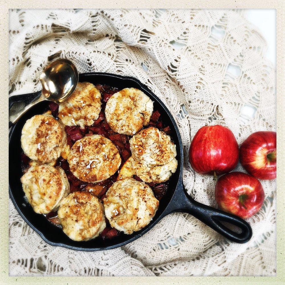 rhubarb apple cobbler 1.jpg