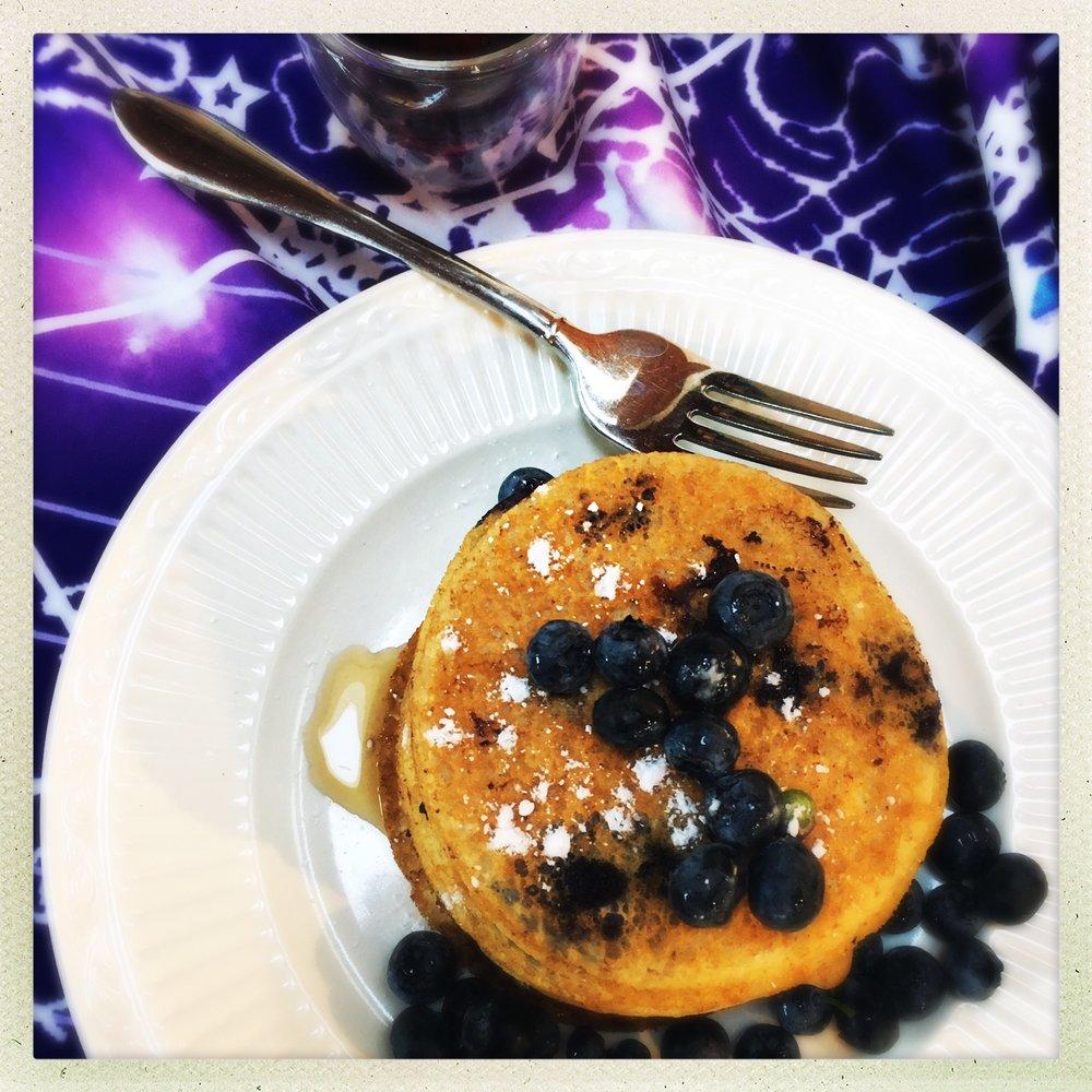 blueberry vegan protein pancakes  6.jpg