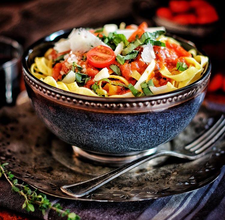 pasta with cherry tomatoes.jpg