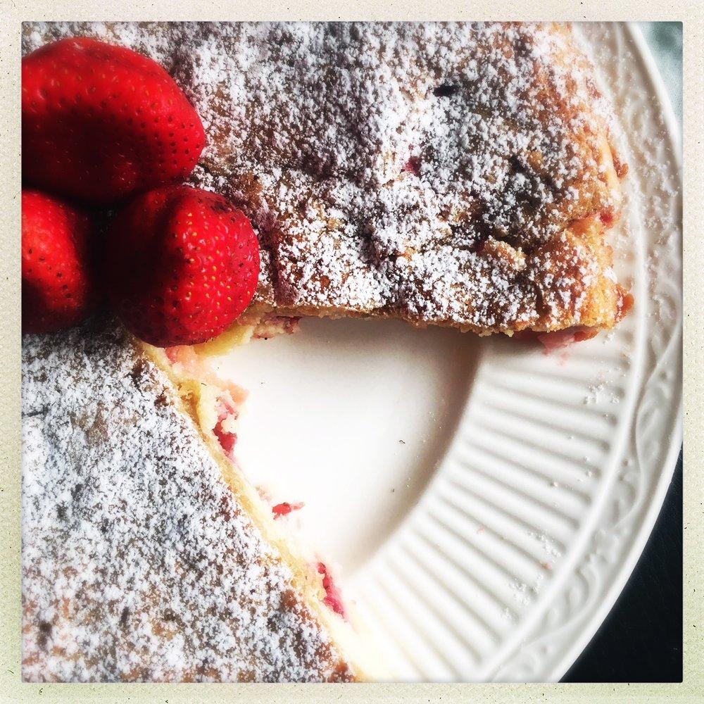 strawberry butter cake  6.jpeg