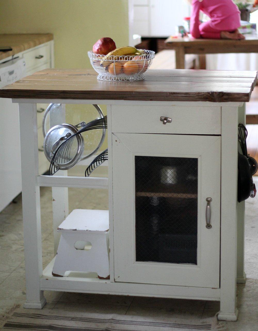 kitchen island after 1
