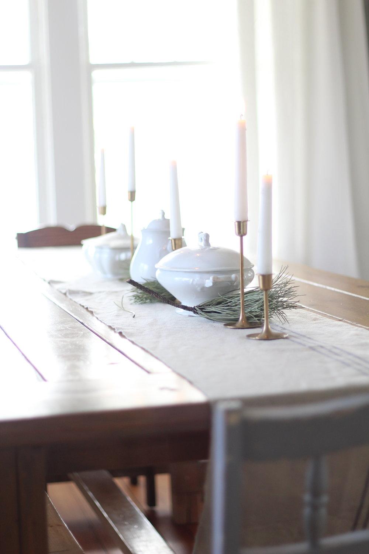 winter farmhouse table