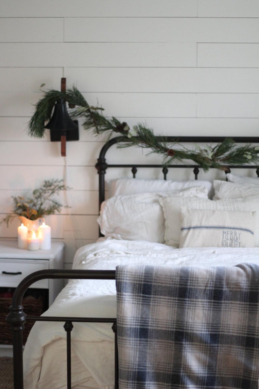 iron bed.jpg