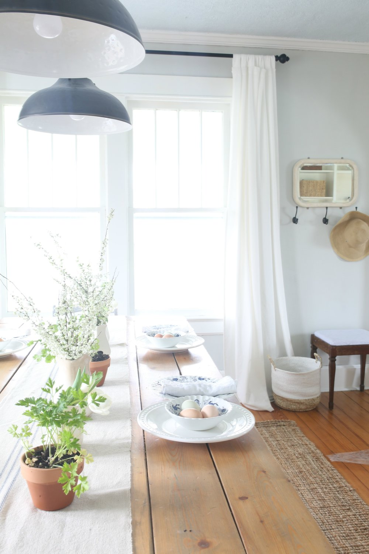 farmhouse_easter_dining_room