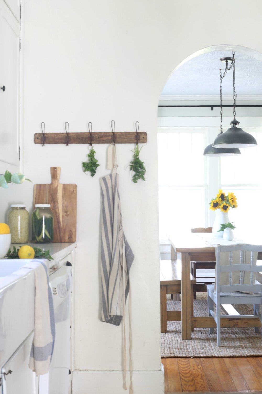 summer farmhouse tour kitchen