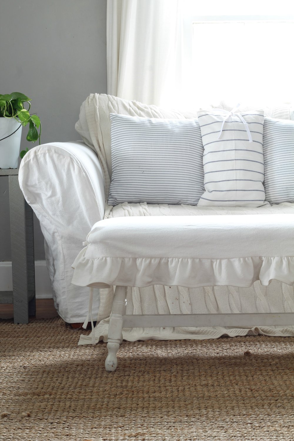 Simple DIY Pillow Covers from IKEA Tea Towels