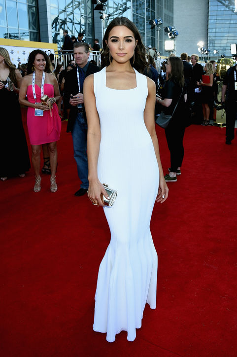 olivia-culpo-white-dress-acm-awards-2015-h724