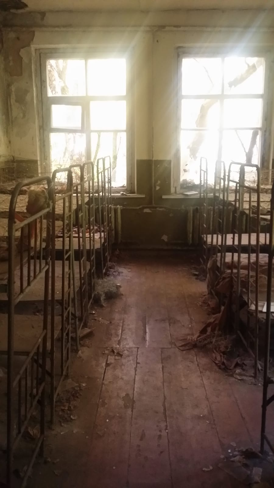 escuela 2 chernobyl.jpeg