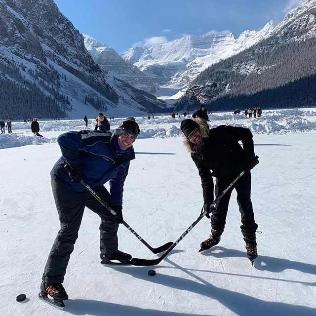 One of the biggest perks of being a #globalshaper is the amazing international network. We are one big family! On the Family Day long weekend, our curator @treetang and Shapers @robyn.seetal @sajjadfazel were showing David, curator of the Providence hub, a great time in the Canadian way! 🏒 ⛄️ . . . #friends #winterfun #yycshapers #shaperlove #canadianwinter #hockey #icesculpture #lakelouise