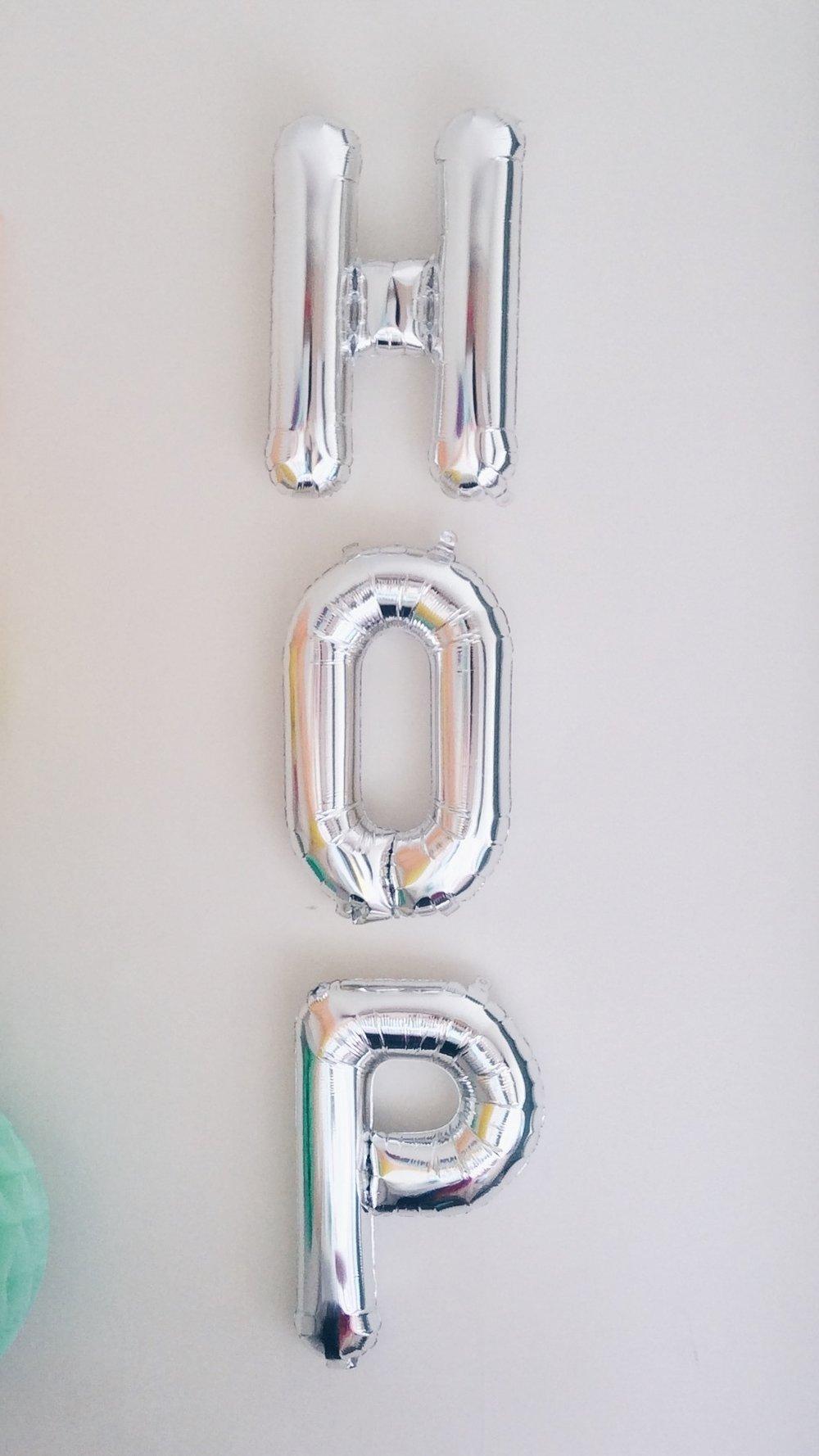silver mylar letter balloons