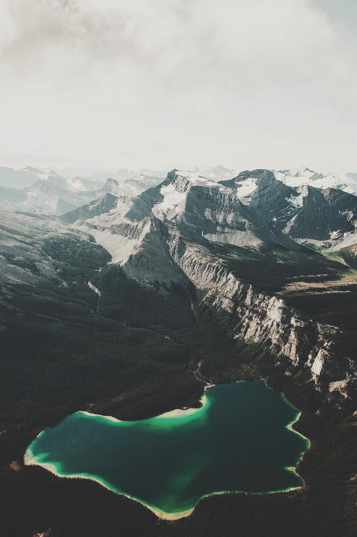 ikwt :         Columbia Icefields  (  hannes_becker  )    ikwt