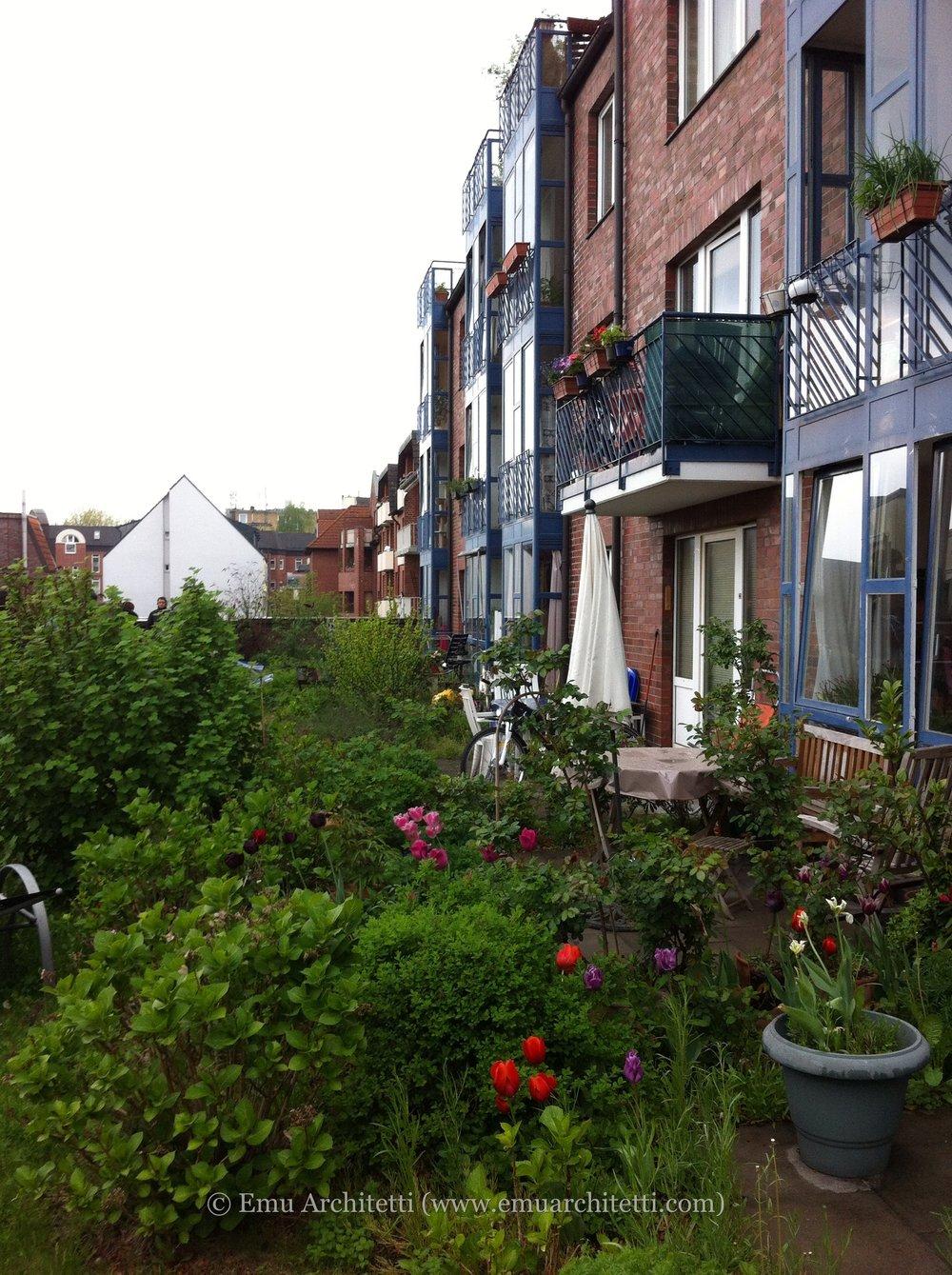 roof-garden-on-baugenossenschaft-may-13-2013-3-48-pm-25-1.jpg