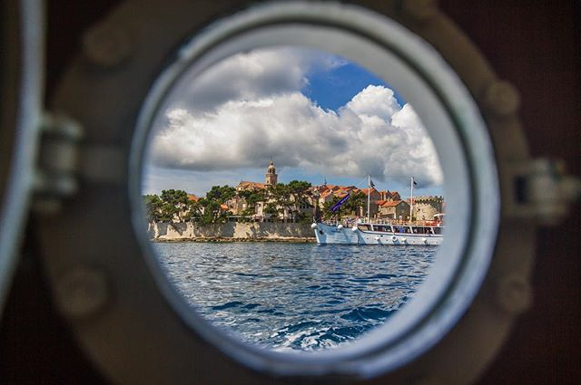 Ahoy mateys! Here be the finest porthole view in all the oceans blue.