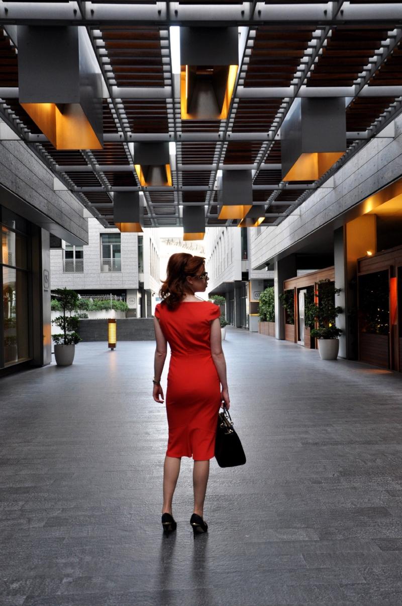 Briar Prestidge- corporate lifestyle and office fashion