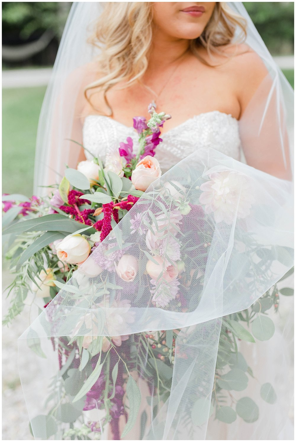 KaraBlakemanPhotography_WV_Weddings_Barn__Beauty_Blogger_11