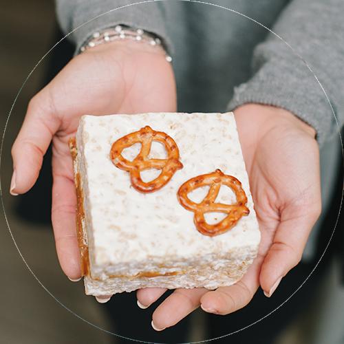 pretzel caramel crispycakes