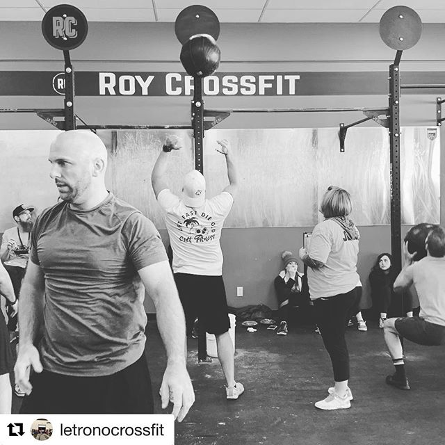 #Repost @letronocrossfit with @get_repost ・・・ @jerdye and @landy_2011 getting after it!