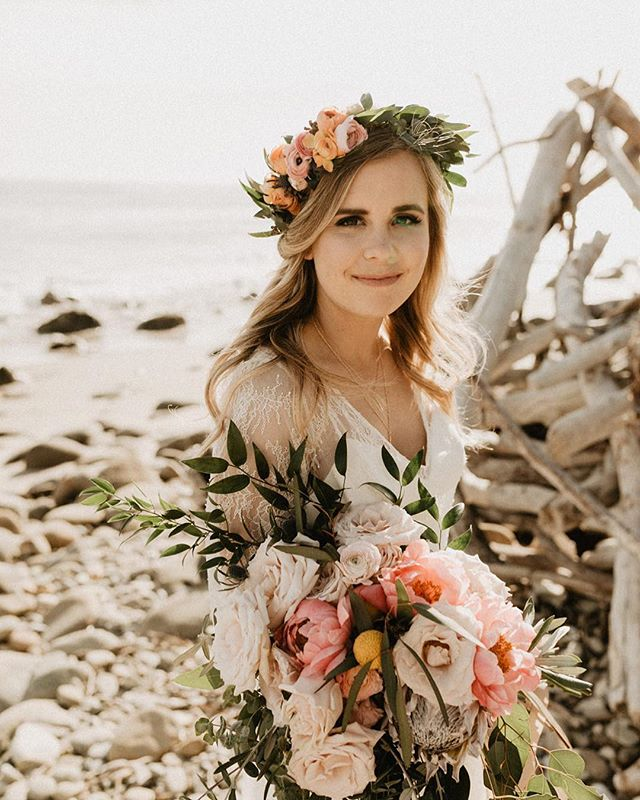 Beach ceremonies will forever be among my top favorites! . . . . Photographer: @natalieecrane Florals: @saltandpoppies Venue: El Capitan State Beach & El Capitan Canyon  Jewelry: @purposejewelry  Make Up: @amandalee.artistry  Dress: @jillianfellersbridal Stationery: @rosegoldandcopperdesign